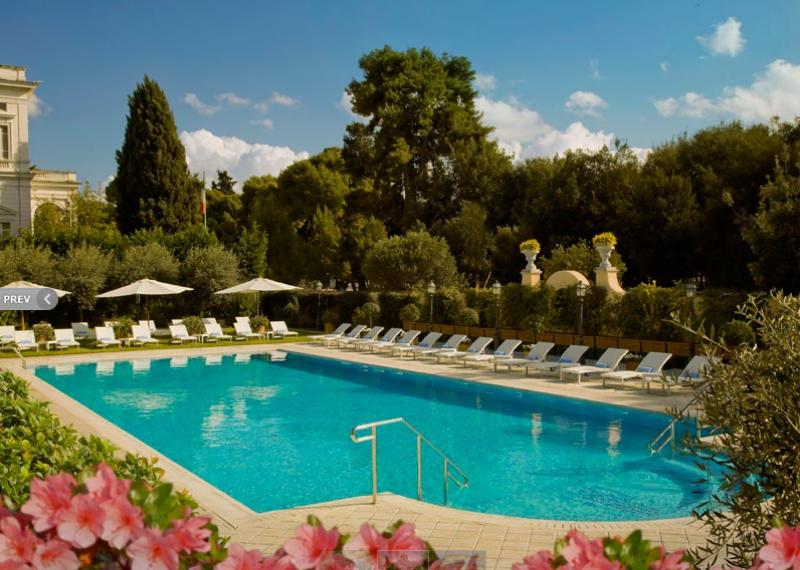 酒店花园泳池